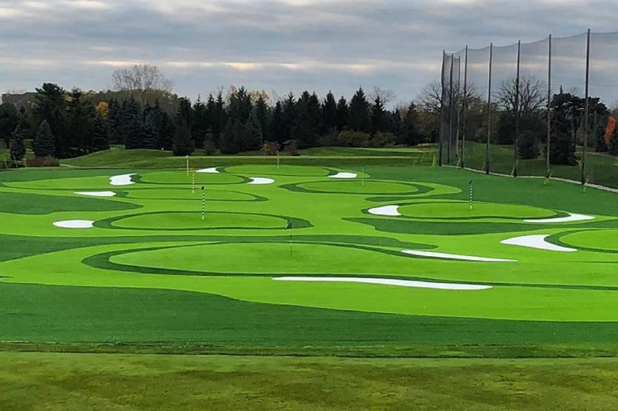 golf putting green, artificial grass