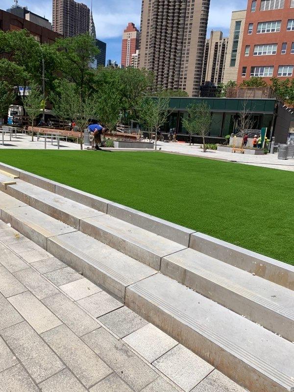Artificial grass, river gate plaza