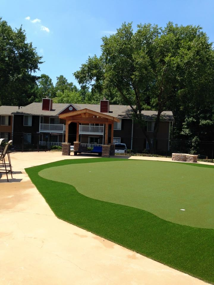 putting green in residential appartments