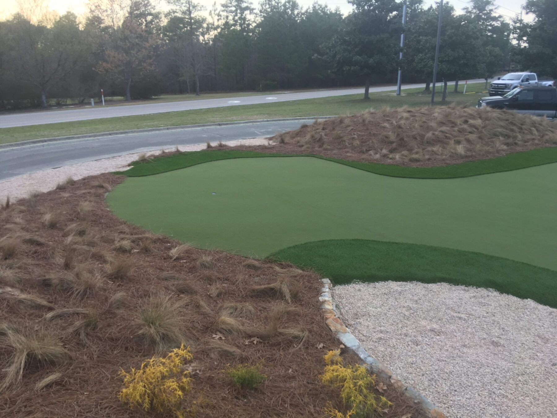 Affordable new york putting green