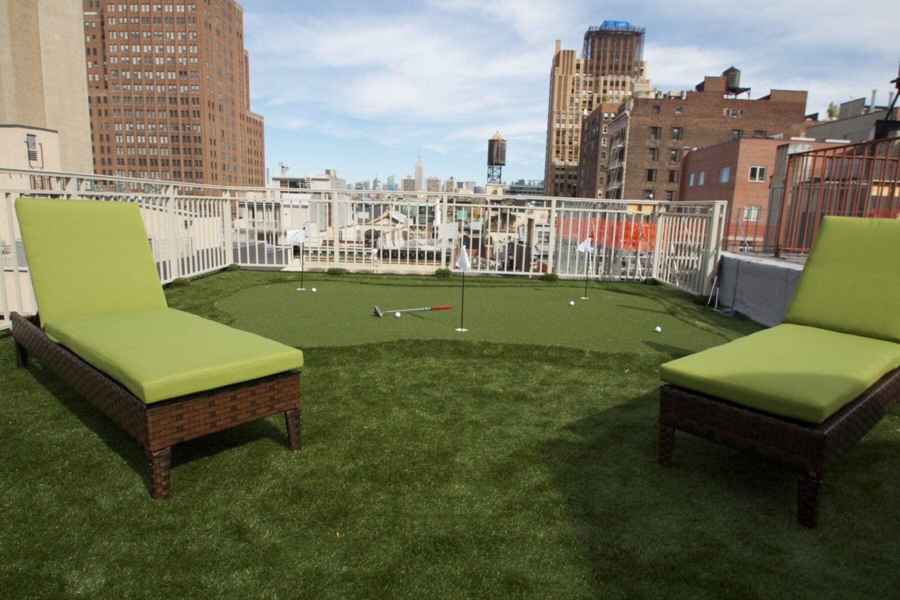 affordable putting green install