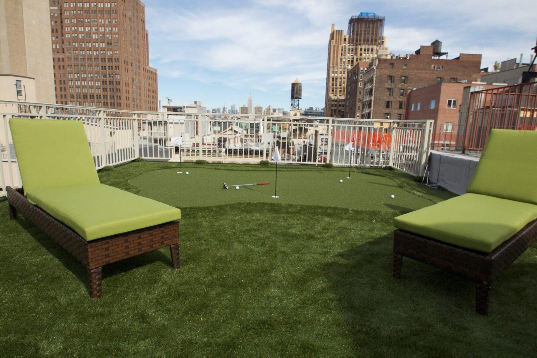 golf rooftop putting green