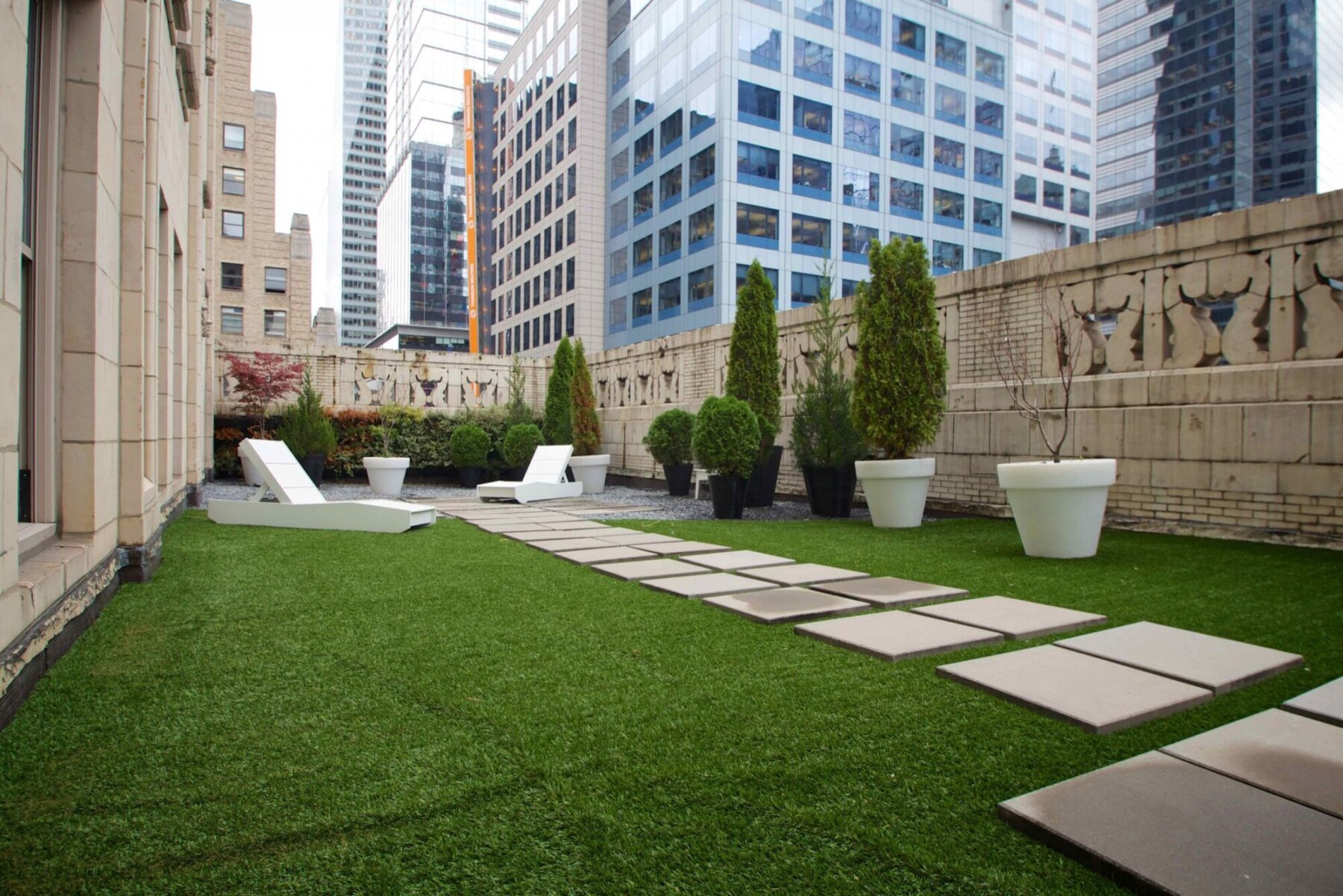 Artificial grass on new york rooftop