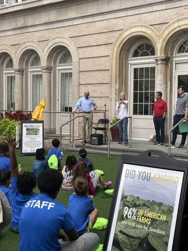 SYNLawn® Hosts Farmers on the Green at the Harlem Boys and Girls Club